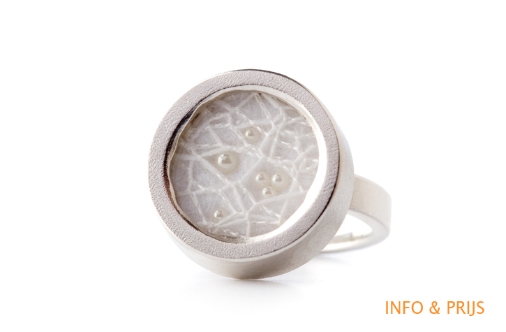 Silver ring with fabric