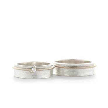 Hammered combination wedding rings - Wim Meeussen Antwerp