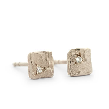 Rough square ear studs with diamond