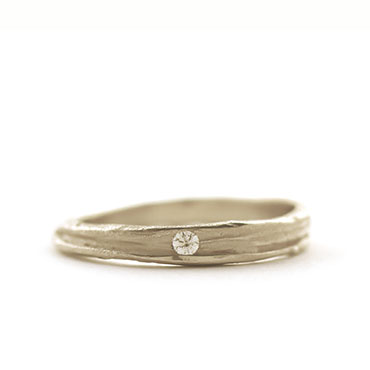 Fine ring with edge and soft structure