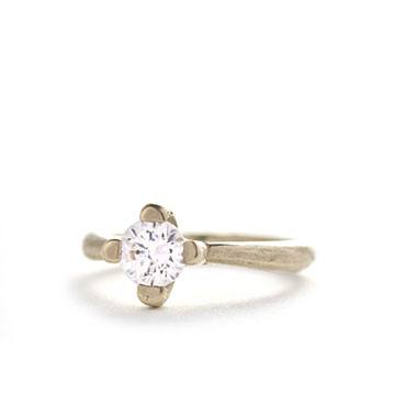 engagement ring with 0,90ct diamond