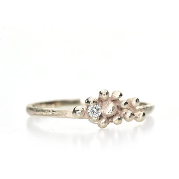 Engagement ring with fine details and diamond - Wim Meeussen Antwerp