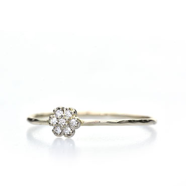 fine ring with diamonds in flower setting