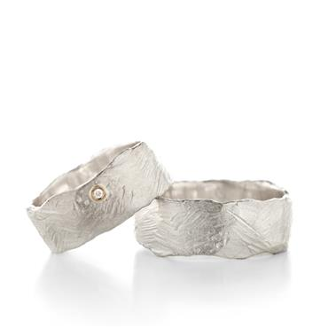 Scratched wide wedding rings in silver