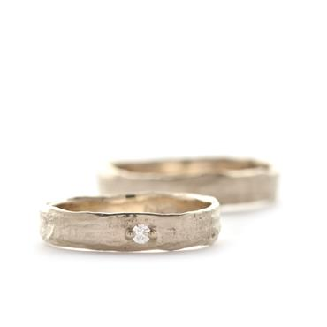 Structured wedding rings