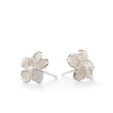 Silver earrings with flower