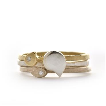 Stacking rings combining different shades of gold