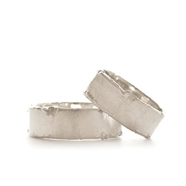 Wedding band in silver with rough edges