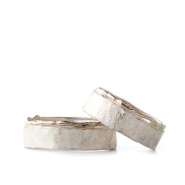 Hammered combination wedding bands