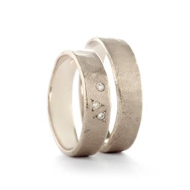 simple wedding rings in white gold