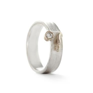 Ring in silver with white gold